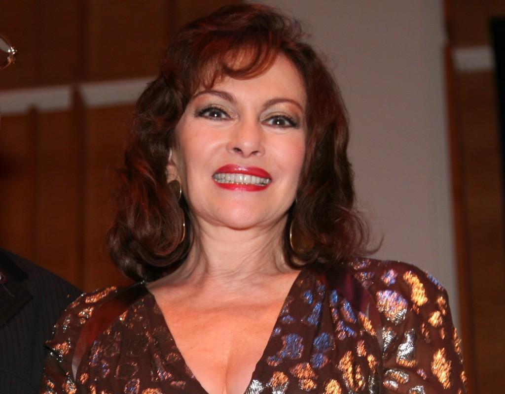 Lupita Ferrer en la entrega de los Latin ACE Awards.